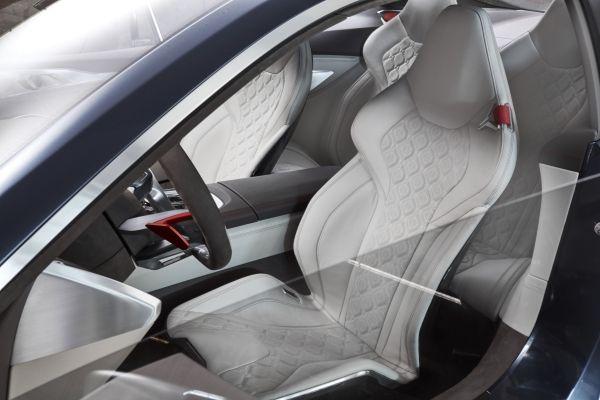 รูปลักษณ์ภายในห้องโดยสารของ BMW 8 Series 2018