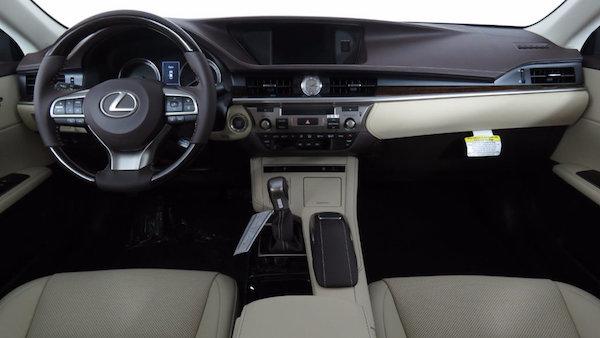 การออกแบบภายใน Lexus ES 2019