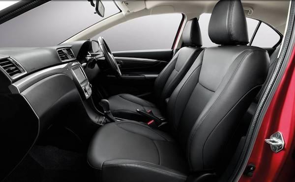 ภายในของ Suzuki Ciaz มีดีที่เบาะหนัง และแอร์หลังเพิ่มมาให้