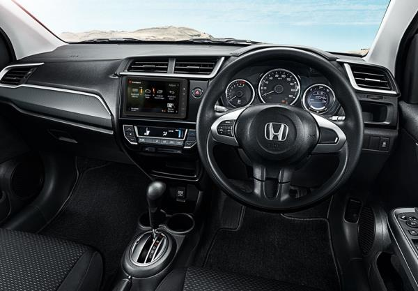 Honda  BR-V 2018 มาพร้อมฟังก์ชั่นภายในครบครัน