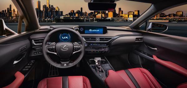 LUXUS UX 2018  จิ๋วแต่แจ๋ว เพิ่งเปิดตัวให้โลกได้ยลโฉม กับสุดยอด Baby SUV ที่หลายคนรอคอย