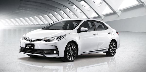 ดีไซน์ภายนอกของ Toyota Corolla Altis 2018 ก็ยังคงโฉบเฉี่ยว