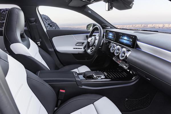การออกแบบภายใน Mercedes-Benz A-Class 2018 ที่หรูหรา