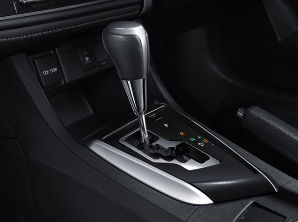 รีวิวคุณสมบัติของ Toyota Corolla Altis  2018