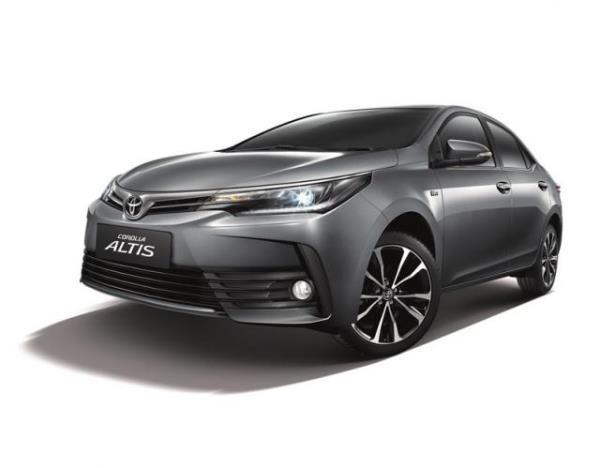 รูปลักษณ์ภานนอก และภายในของ Toyota  Corolla  Altis  รุ่น 1.8V ที่มาพร้อมกับ T-Connect Telematics