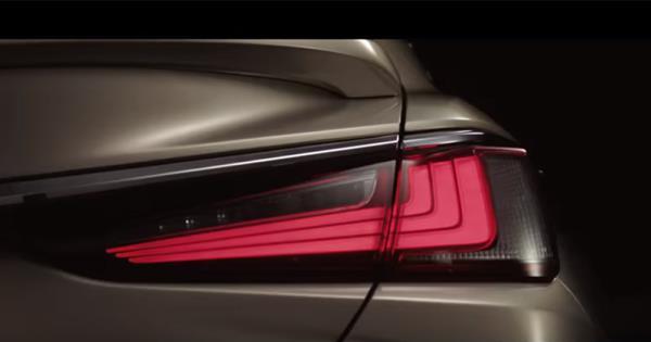 ไฟท้าย All-new Lexus ES