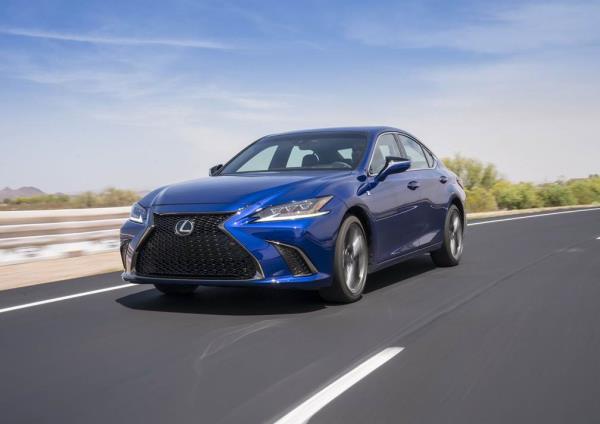 Lexus ES F Sport 2019