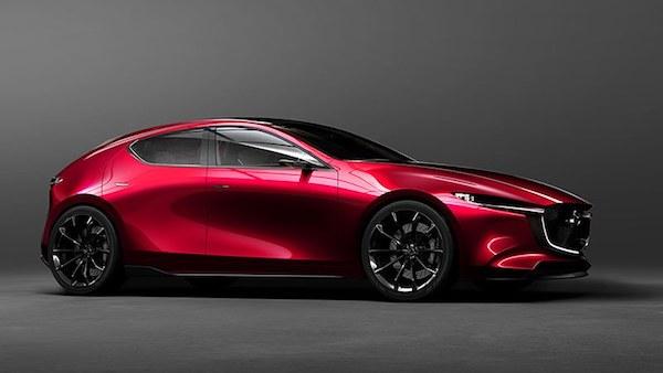 ดีไซน์ด้านข้างที่โฉบเฉี่ยวของ Mazda 3 2019