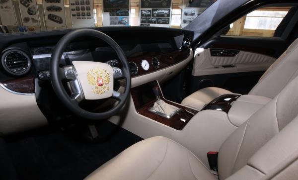 """ส่องค่ายผลิตรถยนต์ที่เก่าแก่ที่สุดในรัสเซีย ... กับ """"ZIL"""""""