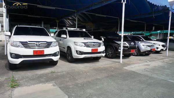รถที่เต้นท์ สมชาย C11 นี้ ส่วนใหญ่จะเป็นรถมือสองปีใหม่ ไม่เก่ามาก เพื่อจัดไฟแนนซ์ ผู้ซื้อเป็นเจ้าของได้ง่าย