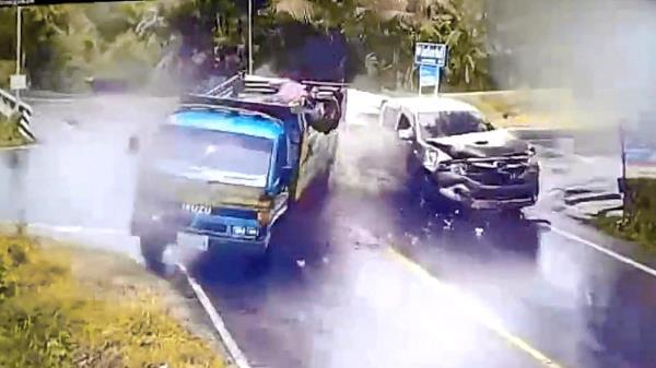 สงสัยกันไหม ? ทำไมเวลารถชน 'รถใหญ่'มักผิดตลอด !?