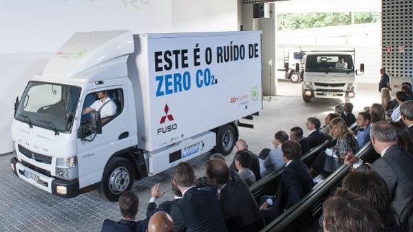 Fuso Canter E-CELL - รถบรรทุกพลังงานไฟฟ้า
