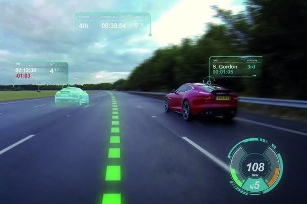 เทคโนโลยีกระจกรถยนต์เสมือนจริง เหมือนคุณเล่น Video Game