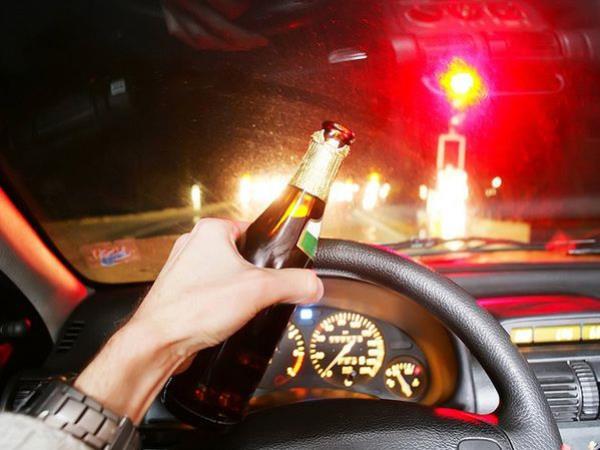 เมา แล้วขับรถยนต์ อันตรายและผิดกฎหมาย แน่นอน