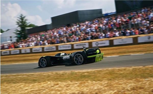 รถซิ่งไร้คนขับ ในสนามแข่งขัน ชื่อว่า NVIDIA Robocar