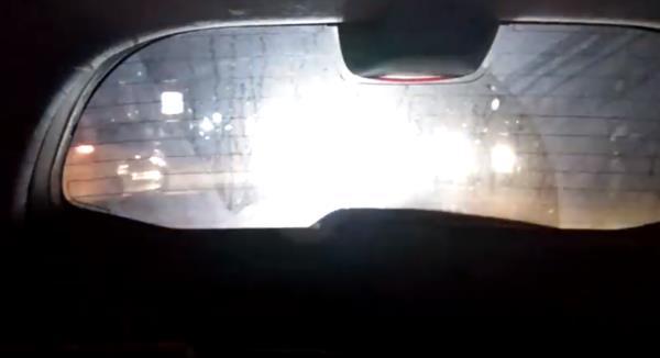กรณี พบเจอรถหลังสาดไฟใส่หน้า ให้ตั้งสติและพิจารณา แก้ไขในสิ่งที่คุณเองอาจทำผิดพลาดในการขับขี่