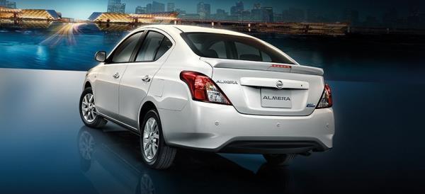 ภายนอก Nissan Almera