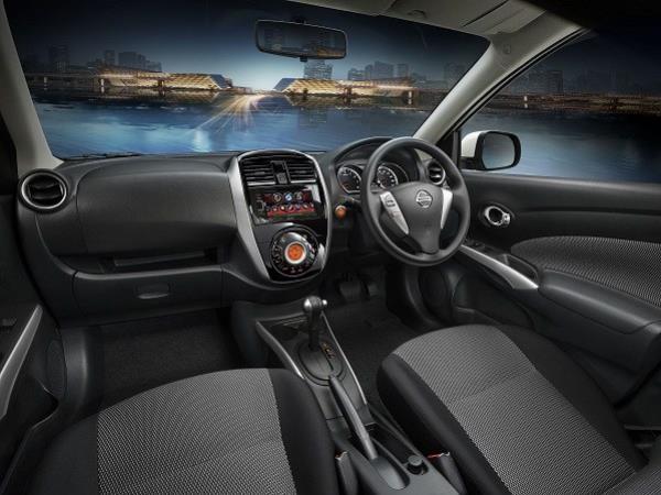 ภายในของ Nissan Almera 2018