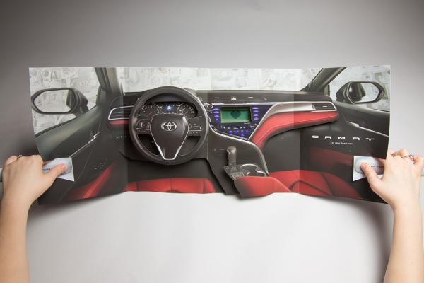 แผ่นพับโฆษณาที่ทำเป็น3มิติของ Toyota Camry