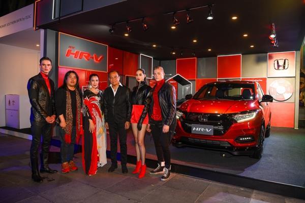 New Honda HR-V X Hook's ELLE Fashion Week 2018