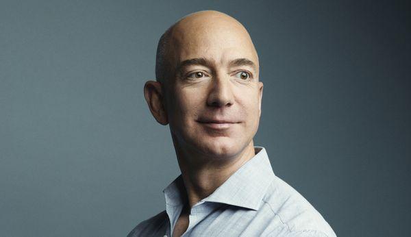 เจฟฟ์ เบโซส์ ผู้ก่อตั้งบริษัทAmazon
