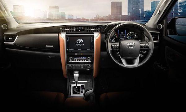 ภายใน Toyota Fortuner 2018 ออกแบบมาเพื่อตอบรับกับการใช้งานอย่างดีเยี่ยม