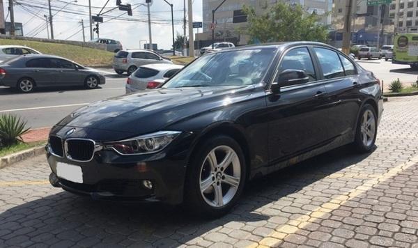 BMW 320i SE (E90)
