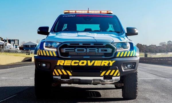 Ford Ranger Raptor กลายเป็นรถกู้ภัยในสนามแข่ง Supercars Champinship