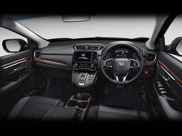 ภายใน Honda CR-V 2018 ที่มีโทนสีดำ