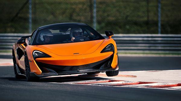 McLaren 600LT เมื่อเข้าโค้ง
