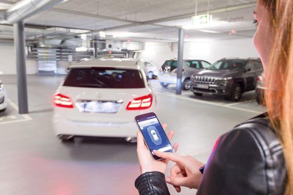 การทดสอบระบบ V2X สามารถหาที่จอดรถให้กับผู้ขับขี่ได้ในสหรัฐอเมริกา