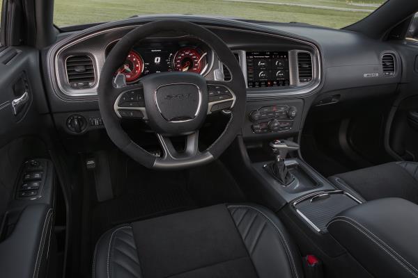 ดีไซน์ภายในของ Dodge Charger SRT Hellcat 2019