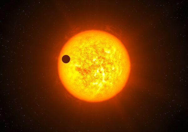 ดวงอาทิตย์แหล่งกำเนิดแสดงที่ใหญ่ที่สุดของมนุษยชาติ