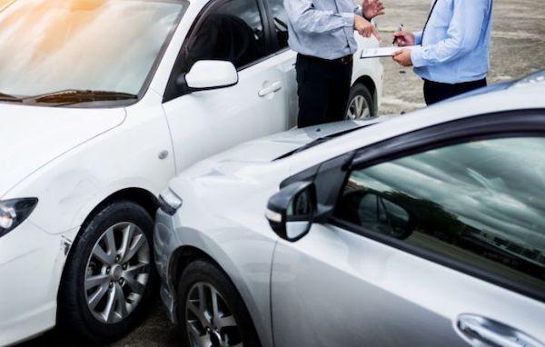 การเปลี่ยนบริษัทประกันภัยรถยนต์ควรเลือกให้ดีๆ