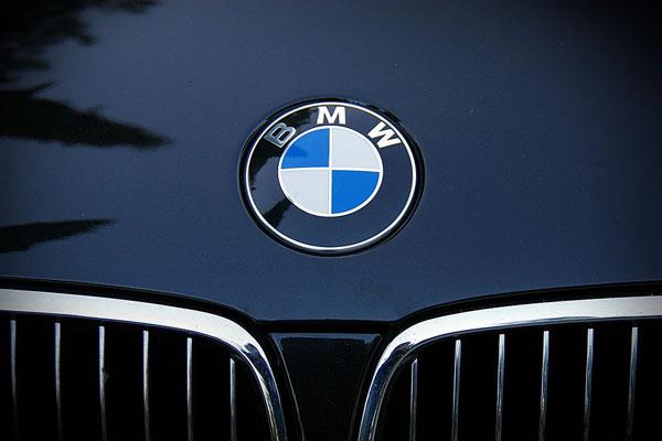 ประวัติความเป็นมาของรถยนต์ค่ายยักษ์ BMW