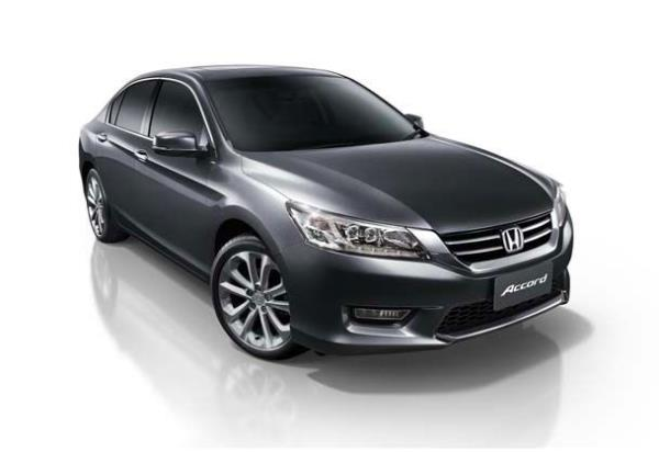 Honda Accord G9 โฉมปัจจุบัน ที่ใช้ขายอยู่ ป้ายแดงราคาเกินล้าน