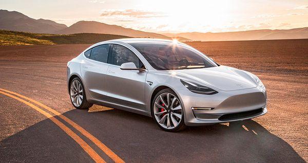 รถยนต์ Tesla Model 3 ที่ยอดขายสูงขึ้นในช่วงไตรมาสที่3ปี2018