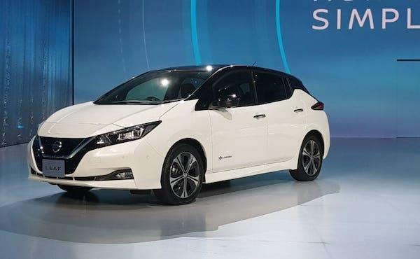 Nissan Leaf ดีไซน์สวย เหมาะกับรุ่นใหม่
