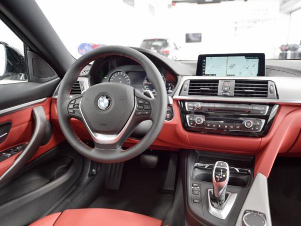 รูปลักษณ์ภายในของ BMW 430i Coupe