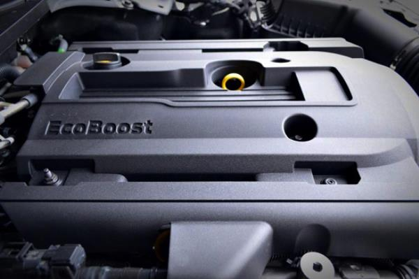 เครื่องยนต์ของ Ford Mustang