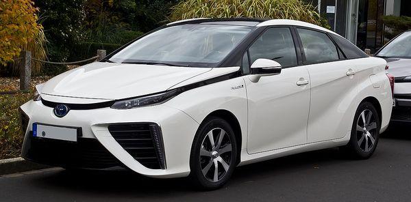 Toyota Mirai ที่ใช้พลังงานไฮโดรเจน จะอยู่หรือจะไปในอนาคต