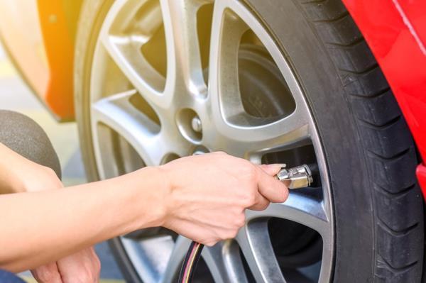 การปรับลมยางให้น้อยลง เป็นอีกวิธีที่ช่วยให้ช่วงล่างของรถกระบะไม่แข็งกระด้างจะเกินไป