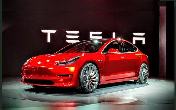 Tesla ผู้ที่จะมาพลิกโฉมวงการรถยนต์ของโลก