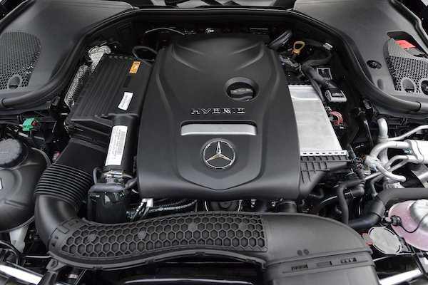 พลังไฮบริดรักษ์โลก ที่ชาร์จไฟได้แบบเสียบปลั๊ก Plug-in Hybrid ของ Mercedes-Benz E350e