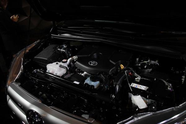 เครื่องยนต์ของ Toyota Innova Crysta 2016ที่แข็งแกร่ง