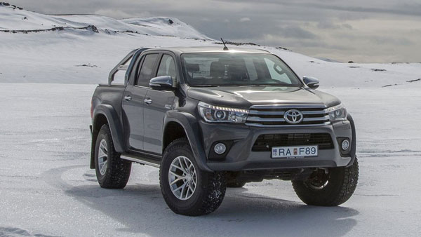 Toyota Hilux Dakar สายรถแข่งแนวออฟโร้ดน่าจะถูกใจคันนี้กันเป็นแน่แท้เพราะเถื่อนได้ใจเดี๊ยนมากๆ รุ่นนี้