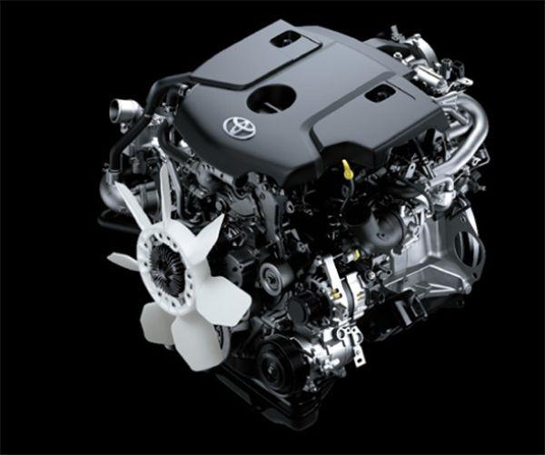 ขุมกำลังของ Toyota Innova Crysta เป็นดีเซล 2.8ลิตร พร้อมเทอร์โบอินเตอร์คูลเลอร์