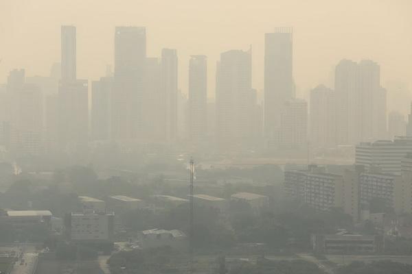 ปัญหาฝุ่นละออง PM2.5 ในอากาศเริ่มมีปัญหาตั้งแต่ช่วงปลายปี 2561 และทวีความรุนแรงเพิ่มมากขึ้นเรื่อยๆ