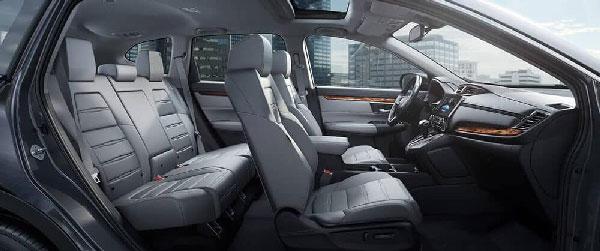 ภายใน Honda New CR-V กว้างขวางเหมาะสำหรับพกสัมภาระไปเยอะๆ