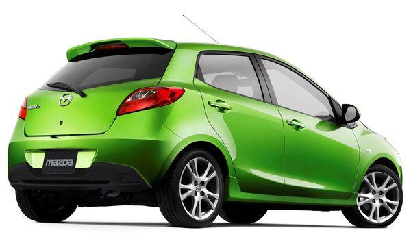 Mazda2 สีเขียวสียอดนิยมของ Mazda